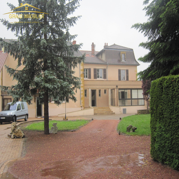 Offres de location Maison Charlieu 42190